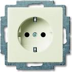 Розетка с заземлением и шторками, бежевый, ABB Basic 55 (2013-0-5279)