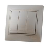 Выключатель трехклавишный Жемчужно-белый металик Lezard MIRA